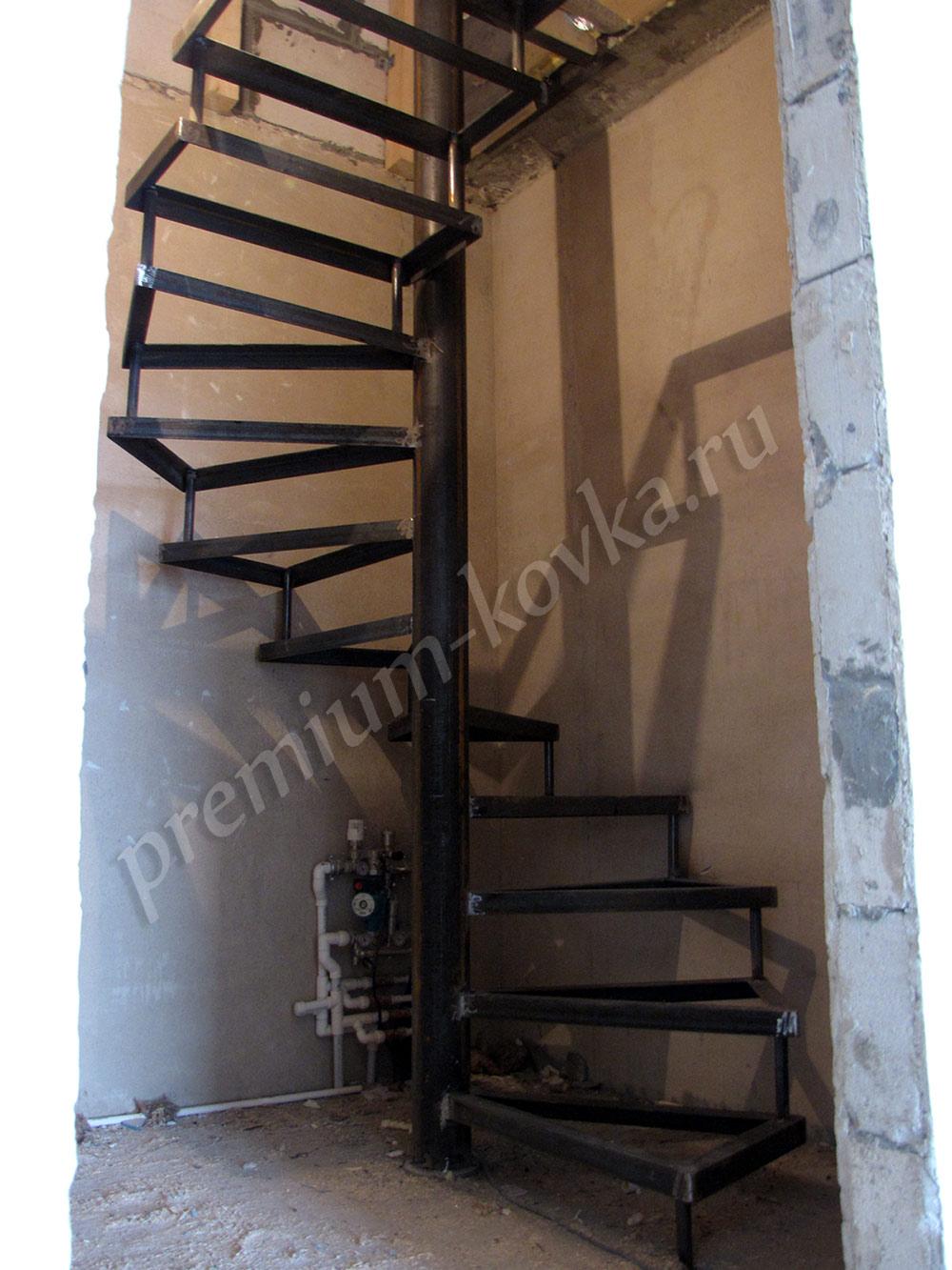 Лестница фото на второй этаж своими руками из железа